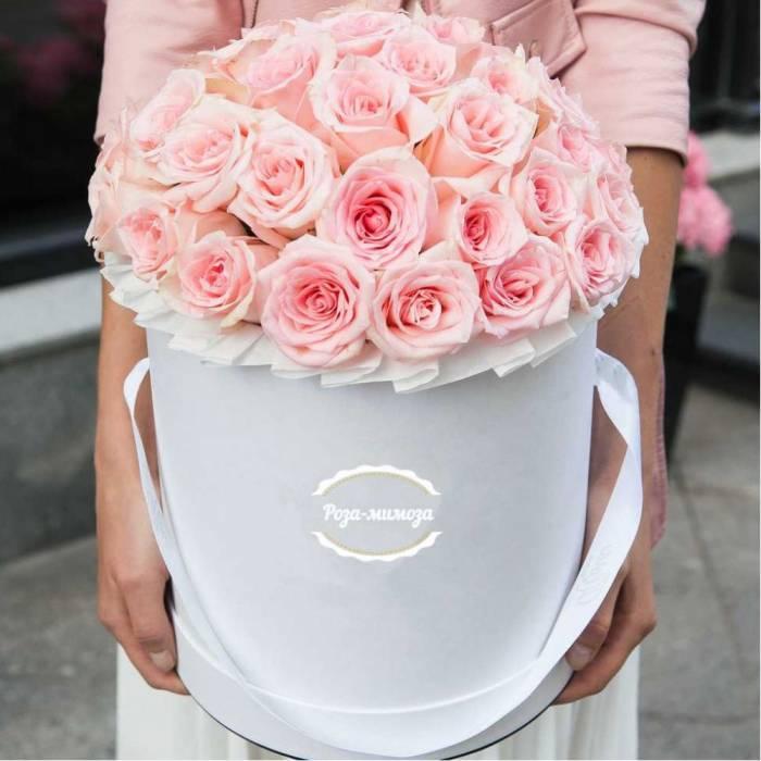35 розовых роз в коробке R035