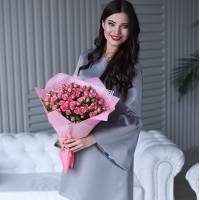 Букет 19 розовых кустовых роз R005